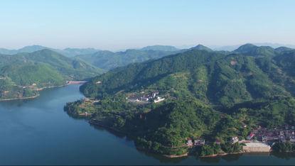 Luftaufnahme Lakeside Villa