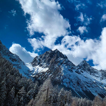 Blue Sky Snow Mountain Photo