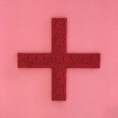 Red Cross flower pattern
